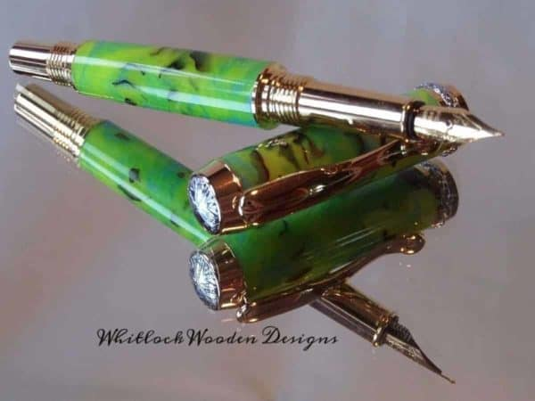 Green Pine Cone Fountain Pen