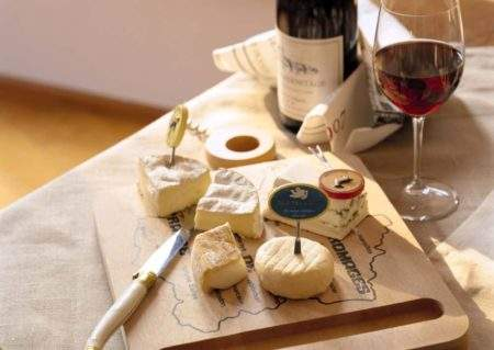 Wood cheeseboard for Valentines?