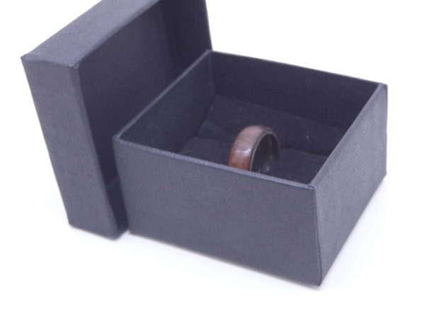 Walnut ring with gift box