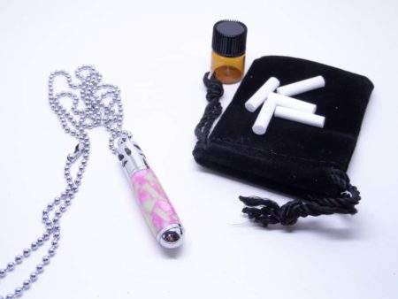 Aromatherapy jewellery necklace and pads